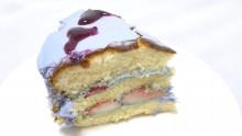 ウィステリアのケーキ断面