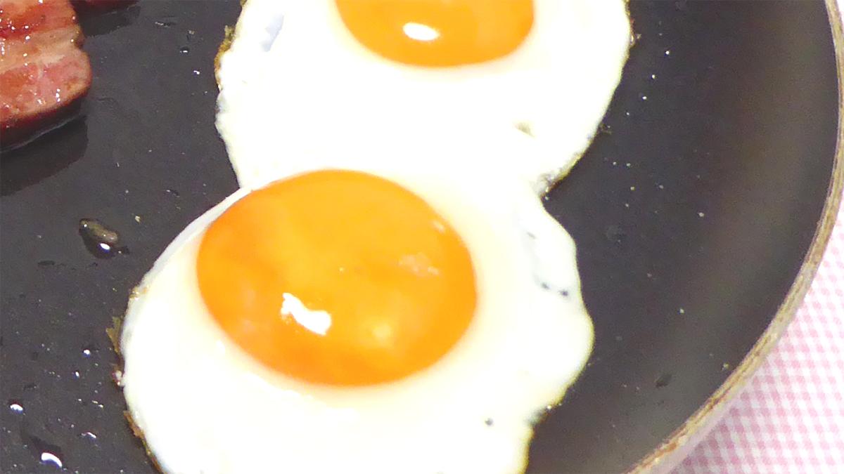 ハウルのベーコンエッグの卵