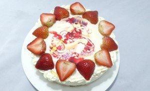 睦さんのイチゴケーキ1