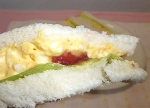 ジャム入り卵サンドアップ
