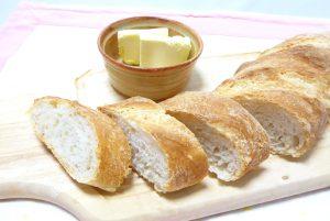 2話のフランスパン横切り