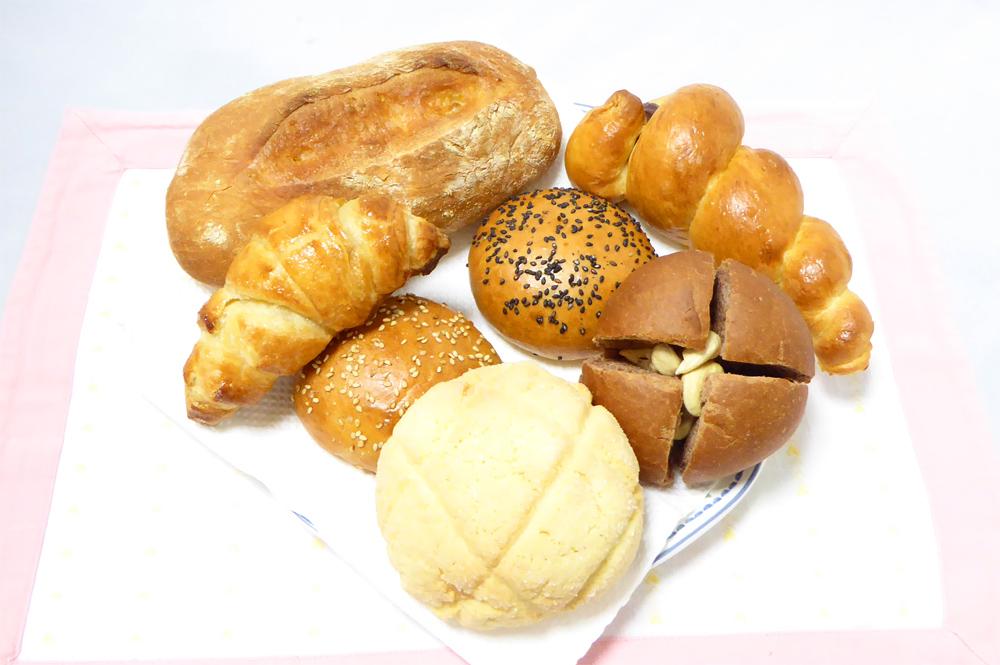 鈴木はるかによるアニメパンでPeaceのパン盛り合わせ再現画像