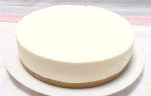18cm型のチーズケーキプレーン