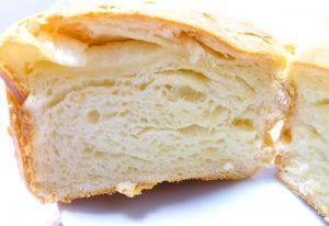 ミルキーでクリーミーな食パンの断面